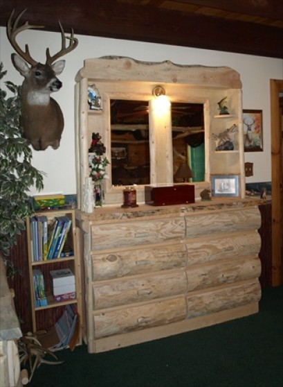8 Drawer Log Dresser (with Hutch, Slab Top)
